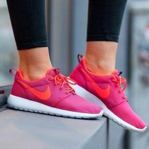 Women's Nike Roche 1 Running Sneaker